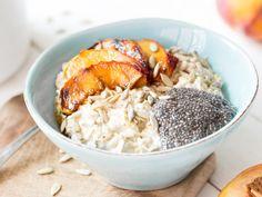 Bircher Müsli mit Chia-Pudding und Pfirsichen