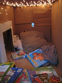 Sugar Aunts: Our Top 5 Baby Play Posts from Sensory playbox this really has me thinking Sensory Rooms, Baby Sensory, Sensory Tubs, Sensory Wall, Sensory Diet, Cardboard Box Fort, Cardboard Tubes, Cardboard Crafts, Indoor Forts