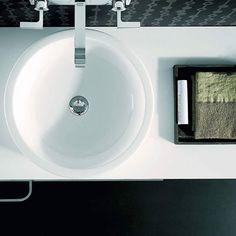 Wszystko na swoim miejscu!  #KOŁO #łazienka #inspiracja #wystrój #łazienki #washbasin #umywalka #EGO #design #designidea #materials #interiors #interior #interiordesign #instadesign #designs #designphoto