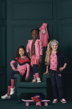 Met de Z8 collectie staat jouw youngster zeker in de spotlights, net als deze 'dames'! Heerlijk al die kleurtjes! #z8 #roze #collectie #dames #kindermode #meisjes #girlslook #fashion #inspiratie Malone Souliers, Melissa Odabash, Dolce & Gabbana, Sophia Webster, Thom Browne, Emilio Pucci, Emporio Armani, Beyonce, Versace