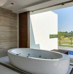 bañera hidromasaje de diseño ovalado