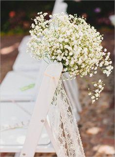 Green and white natural garden wedding. #weddingchicks Captured By: Mark Brooke Photography http://www.weddingchicks.com/2014/09/11/natural-garden-wedding/