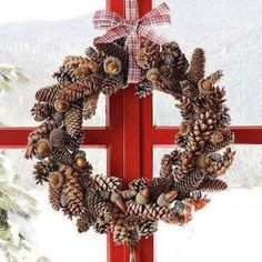 Love this pinecone wreath! I want these for INSIDE the windows with the green slightly larger on the outside, window boxes of greenery and pine cones and a candelabra on the bottom! Cheap Christmas, Noel Christmas, Simple Christmas, Homemade Christmas, Christmas 2019, Christmas Lights, Holiday Crafts, Holiday Fun, Holiday Decor