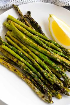 nothing quite like Perfect Grilled Asparagus. It is the most simple side dish, but it also has incredible flavor when done right. Asparagus is absolutely perfect for grilling! Grilled Asparagus Recipes, Grilled Steak Recipes, How To Cook Asparagus, Grilled Vegetables, Grilled Chicken, Healthy Side Dishes, Side Dishes Easy, Side Dish Recipes, Healthy Grilling Recipes