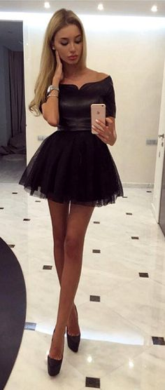 WOW !!! I love everything about her !!! Her hair, her makeup, her fantastic dress and shoes and her beautiful legs !!! I want a wizard that transforms me so !!! (Chloe Sissi)