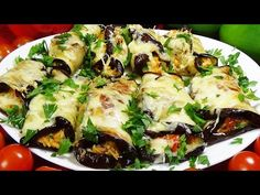 Atât de aromat încât toți vecinii au cerut rețeta! Reteta delicioasa pentru intreaga familie! - YouTube Veggie Side Dishes, Vegetable Dishes, Vegetable Recipes, Vegetarian Recipes, Eggplant Dishes, Eggplant Recipes, Real Food Recipes, Cooking Recipes, Clean And Delicious