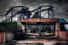 Parque Six Flags, Nova Orleans. Um parque de diversões que foi abandonado depois do furacão Katrina.