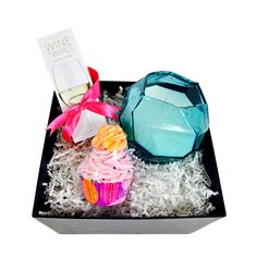 Our Gift Box for Mom: Time Out gives mom time to relax and unwind. Find the perfect gift for mom at the Apollo Box. Perfect Gift For Mom, Gifts For Mom, Cool Gifts, Unique Gifts, Mothers Day Spa, Bath Balms, Strawberry Champagne, Apollo Box, Spa Gifts