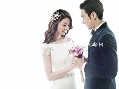Floral | Korean Pre-wedding Photography by Pium Studio on OneThreeOneFour 11