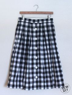 DIY Tutorial – Pleated Button Front Skirt