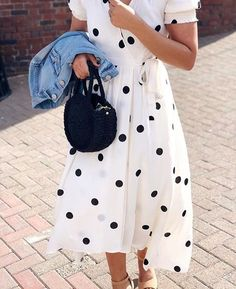 Wedding Guest Outfit Spring Skirts Polka Dots Ideas For 2019 Preppy Fall Outfits, Spring Outfits, Outfit Summer, Casual Summer, Modest Fashion, Girl Fashion, Fashion Outfits, Dots Fashion, Fashionable Outfits
