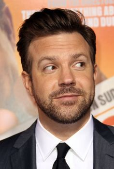 """Jason Sudeikis Photos - Actor Jason Sudeikis attends the premiere of Warner Brothers' """"Hall Pass"""" at the Cinerama Dome on February 2011 in Los Angeles, California. - Premiere Of Warner Bros. Celebrities Without Eyebrows, Beautiful Men, Beautiful People, Jason Sudeikis, Saturday Night Live, Famous Faces, Man Crush, Comedians, Hot Guys"""
