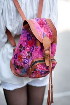 i kind of want a backpack this style for school