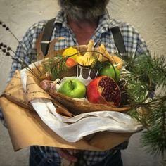 https://www.instagram.com/barin0va_dsgn/  #псков  #композиция #флористика #ручная_работа #sale #gifts #new_year #floristic #hand_made #яблоко #apple #гранат #овощи #овощнойбукет #овощной_букет #fruitsbouquets