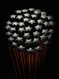 cs009 ミラノ国際博覧会日本館ギャラリースペース / 手に優しい「花」の形をした箸 若狭塗 for 箸蔵まつかん
