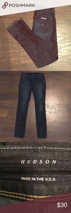 💥SALE💥Hudson Skinny Jeans Dark wash Hudson skinny jeans. Pristine other than one small hole in the crotch. Size 25 waist. Machine wash tumble dry. Make them yours! Hudson Jeans Jeans Skinny