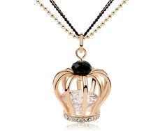 Magnifique chaine chandail avec un pendentif en forme de couronne en plaqué or dans lequel est mis un zirconia transparent. http://www.merveilledebijoux.fr/fr/