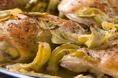 Ricetta del pollo con carciofi al limone: preparazione facile e veloce per gli amanti dei secondi piatti di carne bianca.