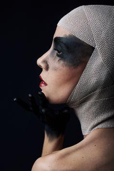 Photographer: Olivier Lannes – OL4N Photo Makeup: Nadège Cuoc – Nadège Makeup and Nail Artist Nantes Model: Stoy Perfktna Krasota