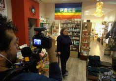 Monimbò, Bottega del mondo, Terni, Umbria, Italy. Durante l'intervista con Valentina Galluzzi.