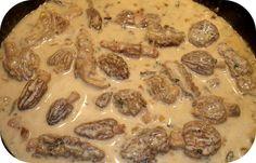 Une délicieuse sauce aux Champignons, très appréciée des connaisseurs. . Ingrédients (pour 4) :. 150g de Morilles (fraîches ou surgelées). 1 Échalote. 20g de Beurre. Crème fraîche. Sel, Poivre. Persil . Vin blanc. Préparation :....