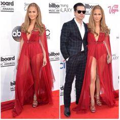 Sassy Blog John Legend & wife Chrissy #johnlegend #billboardawards #sassy #redcarpet #sassyblog