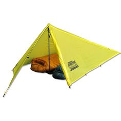 Get set up fast with the Ultralite Quick Tent from Brooks-Range! This ultralight backcountry mountain shelter is lightweight, water resistant and uses a single ski or trekking pole for set up.