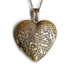 I want this and looks like a locket so I want a pic of my kids