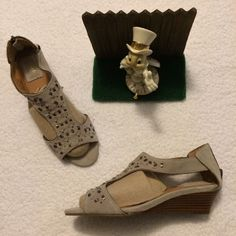 4dc39e7db5978b Clarks Artisan Womens Thimble Clover Stone Wedge Sandals Shoes 31889 Size  7.5 M  fashion