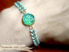 Armbänder - MEERJUNGFRAU Regenbogen Druse Armband Boho mint - ein Designerstück von Mont_Klamott bei DaWanda