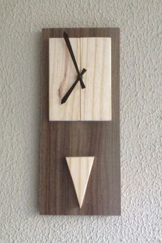 Relógio feito com sobra de mdf e Pinus Diy Clock, Clock Decor, Wood Home Decor, Diy Home Decor On A Budget, Woodworking Projects That Sell, Woodworking Plans, Wall Clock Design, Wood Clocks, Diy House Projects