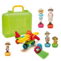 Ce jeu de construction aux pièces légères et faciles à emboîter est idéal pour développer la dextérité et l'imagination des enfants. Ils peuvent construire une maison pour leurs super-héros ou leurs poupées. Pratique, tout se range dans la mallette !