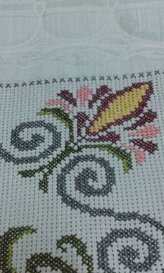 This Pin was discovered by Hül Cross Stitch Borders, Cross Stitch Designs, Cross Stitch Patterns, Free To Use Images, Chicken Scratch, Different Flowers, Bargello, Blackwork, Cross Stitch Embroidery