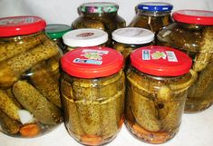 "Reteta culinara Castraveciori murati ""bulgaresti"" din categoria Muraturi. Cum sa faci Castraveciori murati ""bulgaresti"" Preserves, Pickles, Entrees, Cucumber, Mason Jars, Diy And Crafts, Canning, Recipes, Food"