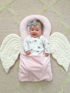 Pink angel pillow, baby girl, newborn photography, 4 months old, stylish bambina… – Stylish Petite – Join the world of pin Newborn Bows, Baby Outfits Newborn, Baby Bows, Baby Girl Newborn, Quilt Baby, Blog Bebe, Baby Sewing Projects, Baby Pillows, Baby Furniture