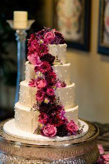 Contraste entre el rosa y el blanco para el pastel #wedding