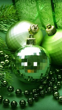 twig_balls_decorations_ribbon_green_66247_640x1136
