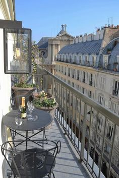 This Balcony in Paris is small.but, oh so cute! Very good use of a small space This Balcony in Par Apartment Balconies, Paris Apartments, City Aesthetic, Travel Aesthetic, Belle Villa, Dream Apartment, Parisian Apartment, Parisian Cafe, Parisian Bathroom