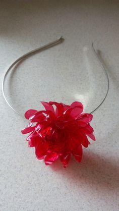 Čelenka Rudý květ, z PET