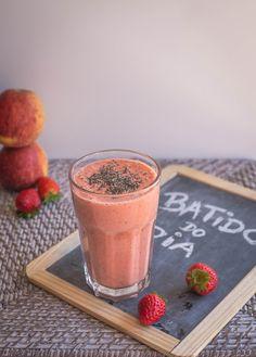 Frango do Campo: strawberry, apple and raspberry Smoothie