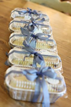 Cute idea for mini cakes for gifts. I didn't look at the recipe. Only pinned to remember to package them like this.