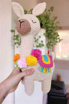 Amigurumi Llama - A Free Crochet Pattern Pokemon Crochet Pattern, Pikachu Crochet, Crochet Patterns Amigurumi, Crochet Dolls, Cute Crochet, Crochet Crafts, Crochet Projects, Crochet Flamingo, Crochet Basics