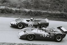 Nr.6.Mark Donohue – Lola T70 Mk.3B Chevrolet, nr.28.Dick Brown – McLaren Elva Mark II Ford. Mosport 1967