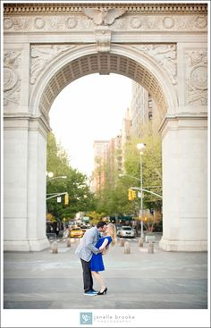 It's difficult getting a great shot of a couple and the Arch at Washington Square Park, but check out this gorgeous photo. NYC Engagement Session. Allie & Randy's E-Session, NYC » Janelle Brooke Photography
