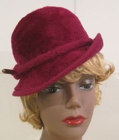 Vintage fur felt maroon hat by MISSVINTAGE5000 on Etsy