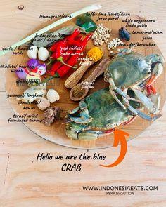Kare Kepiting ala Jawa Timur or Eastern Javanese Crab Curry is such a memorable dish of my childhood growing up in Sidoarjo, suburban city of Surabaya. Javanese Recipe, Fresh Turmeric Root, Dried Shrimp, Shrimp Paste, Kaffir Lime, Red Chili, Coriander Seeds, Tamarind, Crabs