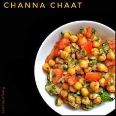 The spicy, tangy taste of a true Indian chaat. Indian Salads, Indian Appetizers, Indian Dishes, Chickpea Salad Recipes, Healthy Salad Recipes, Vegetarian Recipes, Chickpea Indian Recipe, Healthy Snacks, Rice Recipes