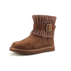 Willing to negotiate I trade UGG Shoes Ugg Shoes, Ugg Australia, Fashion Tips, Fashion Design, Fashion Trends, Uggs, Ugg Kids, Stylish, Boots