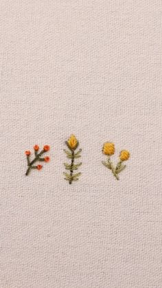 Hand Embroidery Patterns Flowers, Hand Embroidery Videos, Embroidery Stitches Tutorial, Embroidery Flowers Pattern, Cute Embroidery, Simple Flower Embroidery Designs, Embroidered Flowers, Embroidery Ideas, Diy Clothes Embroidery