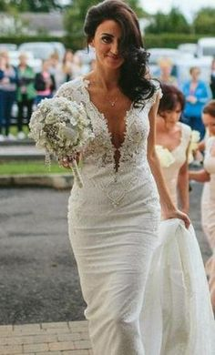 Berta 14-18, $5,500 Size: 8 | New (Un-Altered) Wedding Dresses ...